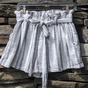 🌟🌟High-waisted paper bag shorts